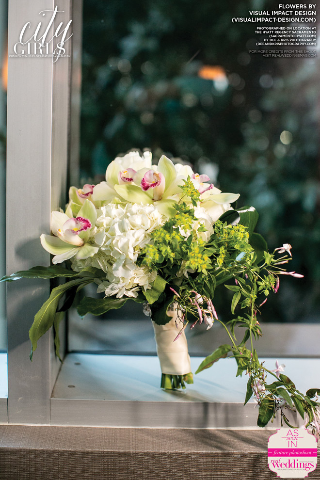 Ivory & green bridal bouquet by Visual Impact Design | Real Weddings Magazine | Dee & Kris Photography