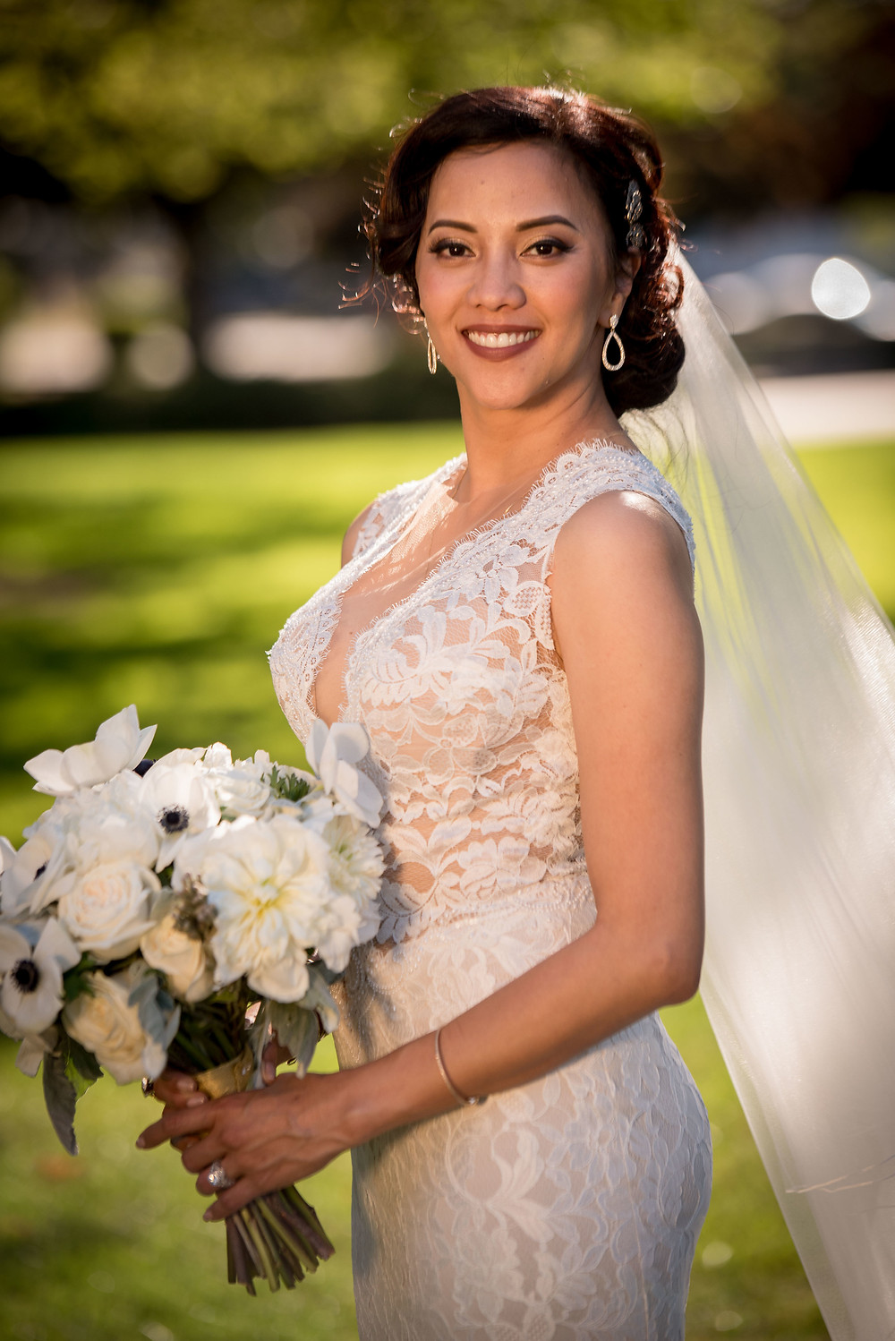 Bride and her her bouquet by Visual Impact Design | Wendy Hithe Photo