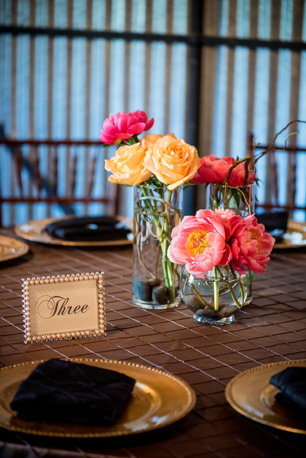 Yellow and pink garden roses centerpiece by Visual Impact Design | Photo by Allison Stahl Studio