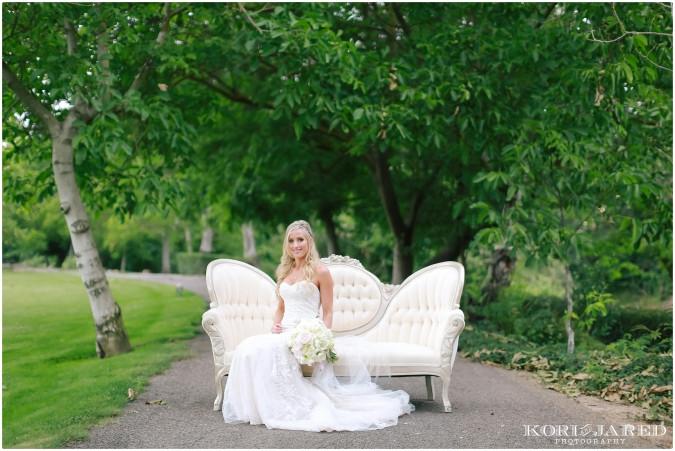 Romantic wedding flowers by Visual Impact Design | Kori & Jared Phtoography