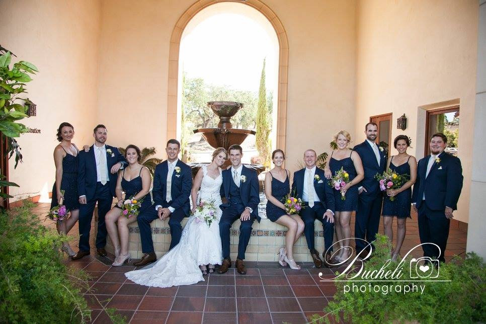 Bouquets & boutonnieres by Visual Impact Design | Bucheli Photography