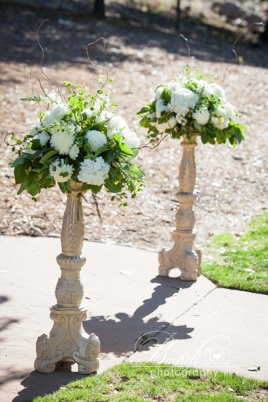Catta Verdera Wedding Florist | Ceremony flowers by Visual Impact Design | Bucheli Photography