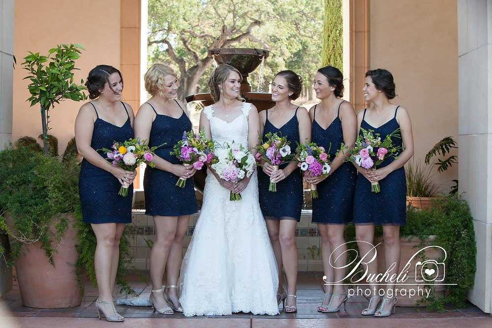 Bridal & bridesmaids bouquets by Visual Impact Design | Bucheli Photography