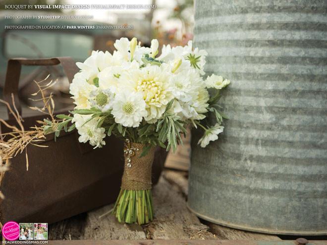 Sacramento_Weddings_RWS_Cover_Model-WS15-BOUQUETS-31.jpg