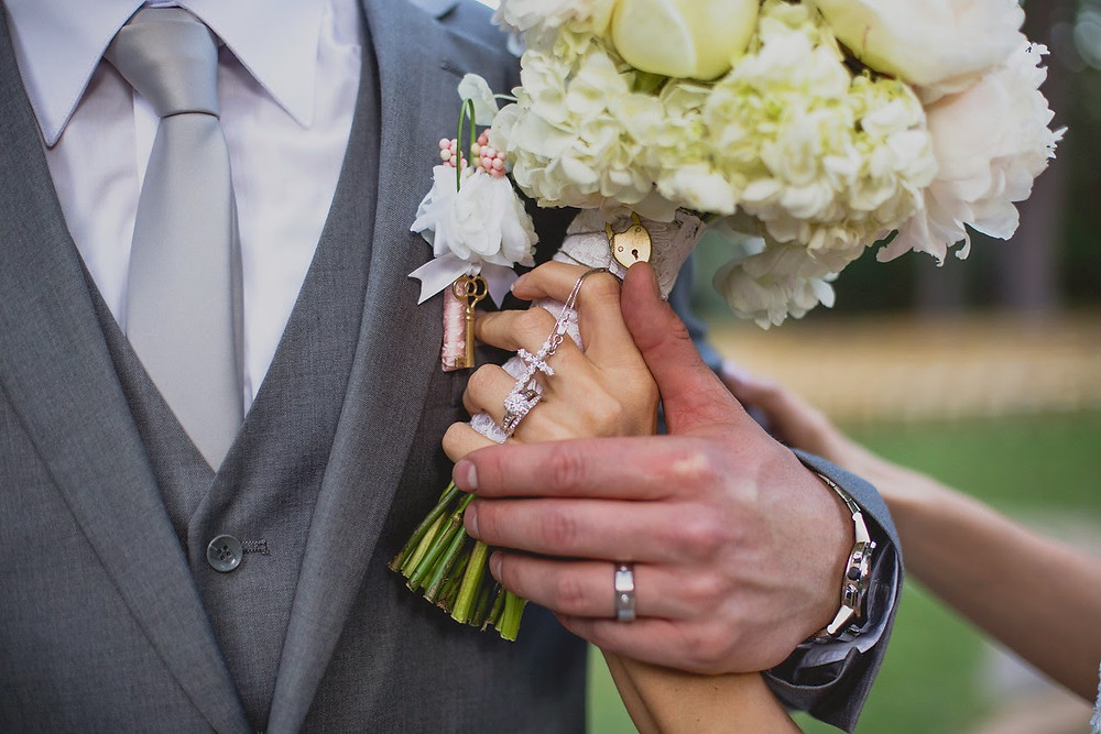 Romantic vintage bridal bouquet by Visual Impact Design. Photography by Sweet Poppy Studios.