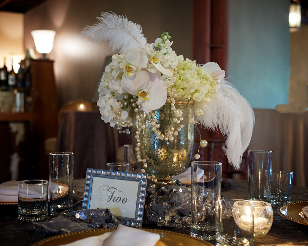 White Great Gasby centerpiece by Visual Impact Design | Photo by Sharpe Weddings