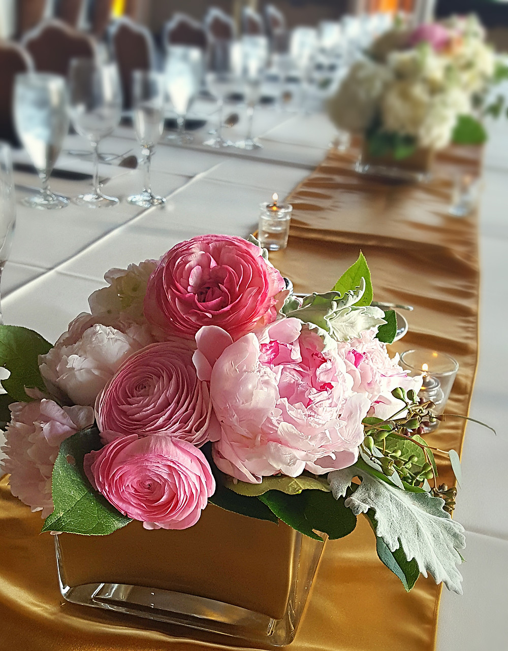 Low centerpiece by Visual Impact Design