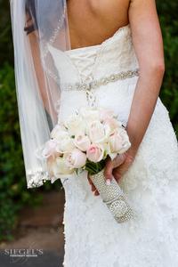 Lewis-W-165-bride-bouquet-back-web.png