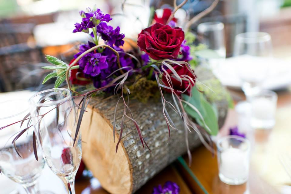 Reception centerpiece by Visual Impact Design | Charleston Churchill Photography