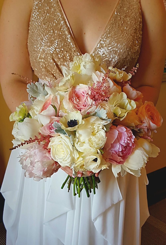 Romantic bridal bouquet by Visual Impact Design