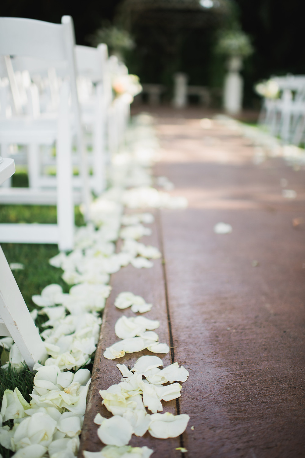 Outdoor ceremony | Visual Impact Design wedding flowers | Custock Photography