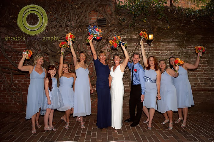 Bridal & bridesmaids bouquets by Visual Impact Design | Shoop's Photography