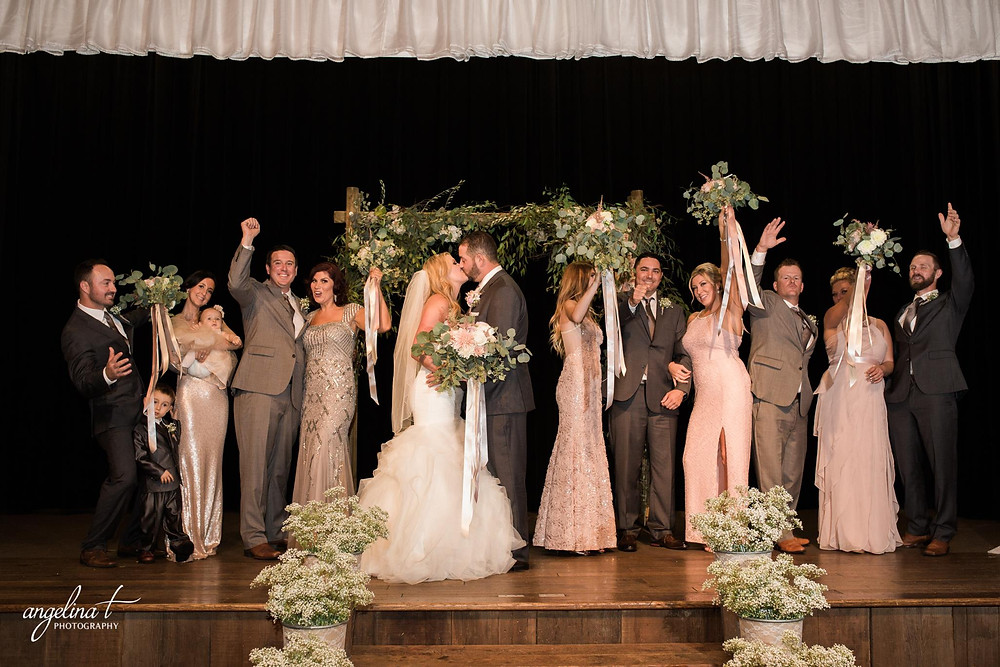 Wedding ceremony floral design by Visual Impact Design | Angelina T Photography