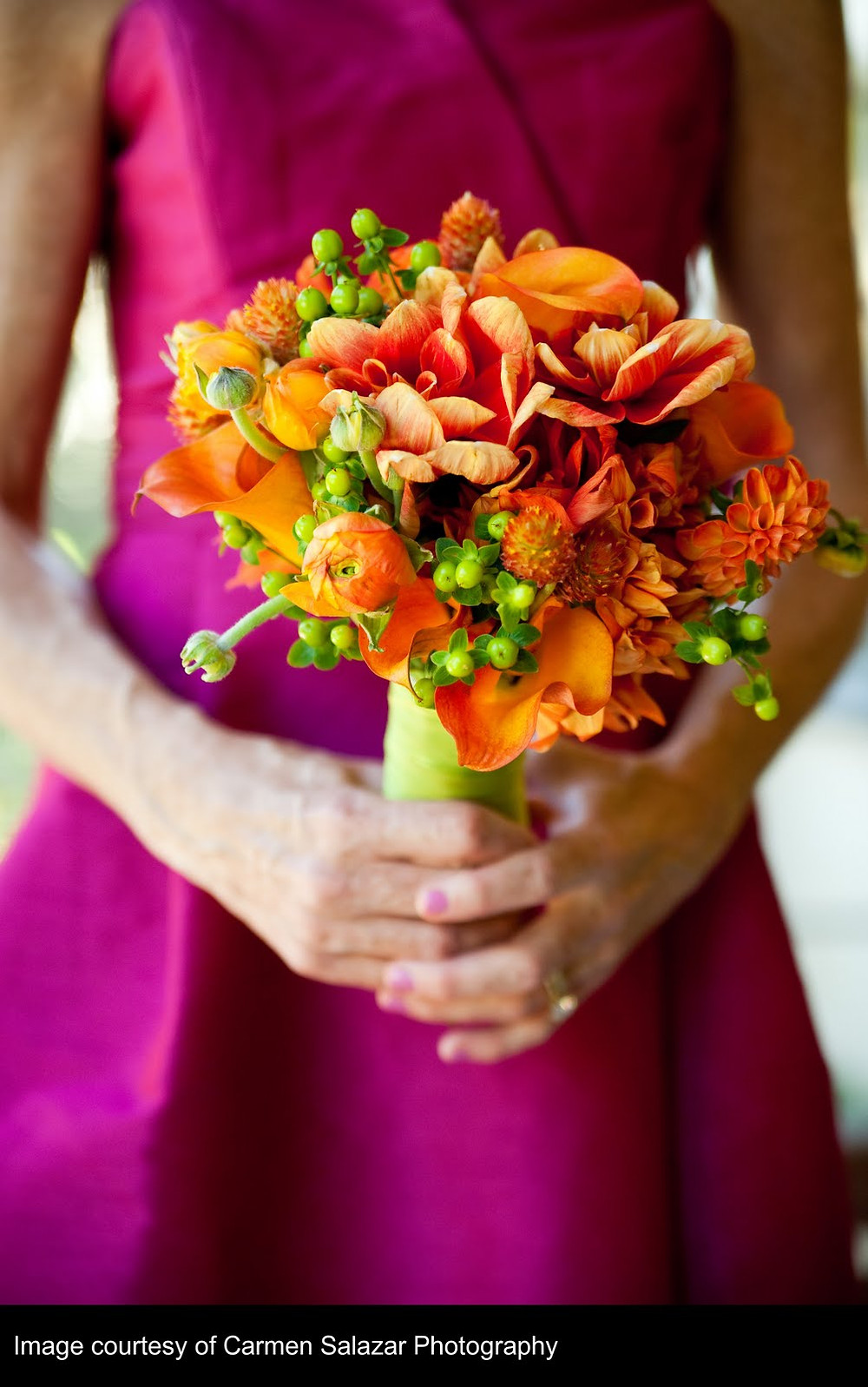 Apricot, orange and bright green wedding colors | Bouquet by Visual Impact Design | Carmen Salazar Photography