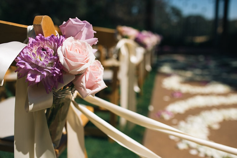 Catta Verdera ceremony aisle flowers by Visual Impact Design wedding florist | Codrean Photography