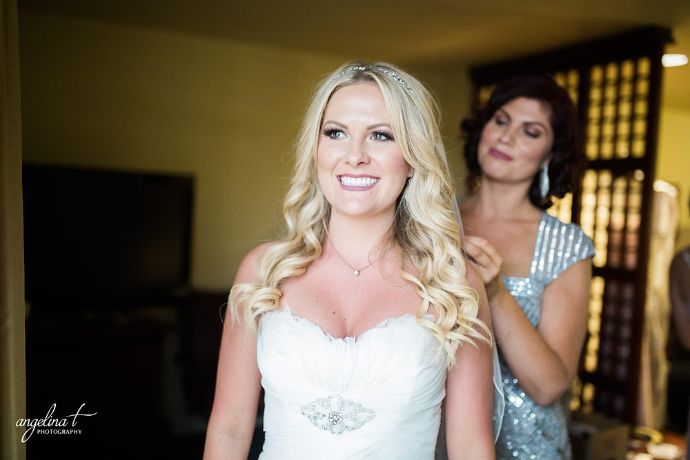 Bride Kimberly getting ready | Angelina T Photography