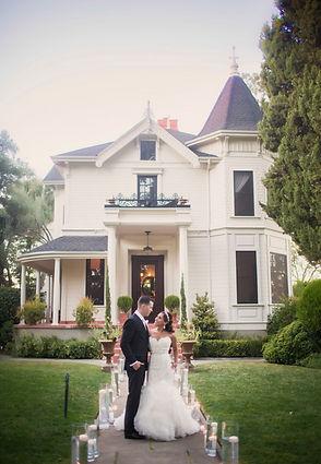 Wedding Centerpieces by Visual Impact Design | Tsakopoulos Library Galleria | True Love Photo