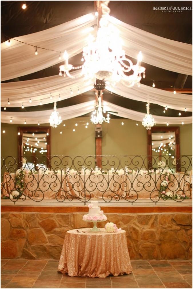 Wedding cake flowers by Visual Impact Design | Kori & Jared Photography