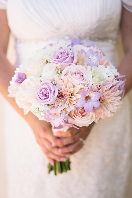 Catta Verdera wedding | Blush and violet bouquet byVisual Impact Design wedding florist | Codrean Photography