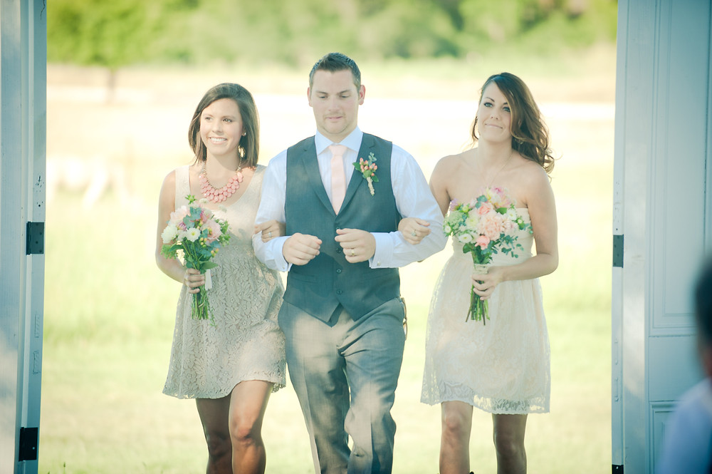 Country Chic Wedding - Bouquets and boutonniere by Visual Impact Design - Michelle Blair Photography