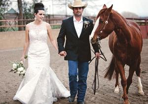 Elegant Western Country Wedding | Boutonniere & bridal bouquet by Visual Impact Design | Emik Nikora Wedding Photographers