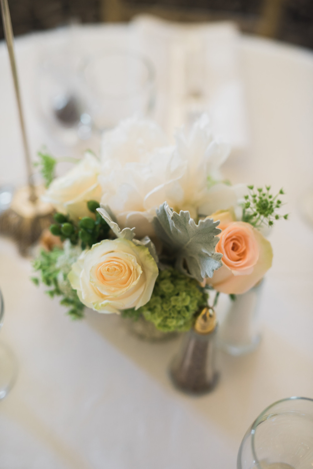 Floral Centerpieces | Visual Impact Design wedding flowers | Custock Photography
