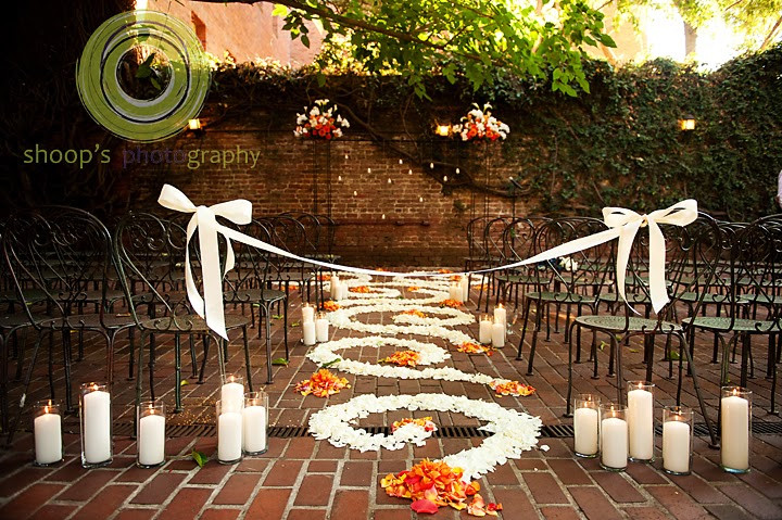 Aisle floral design by Visual Impact Design | Shoop's Photography | Old Sacramento