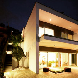 Night photo of one of our houses in Caniço _madeira_pearl_of_the_atlantic__refarquitectos original p