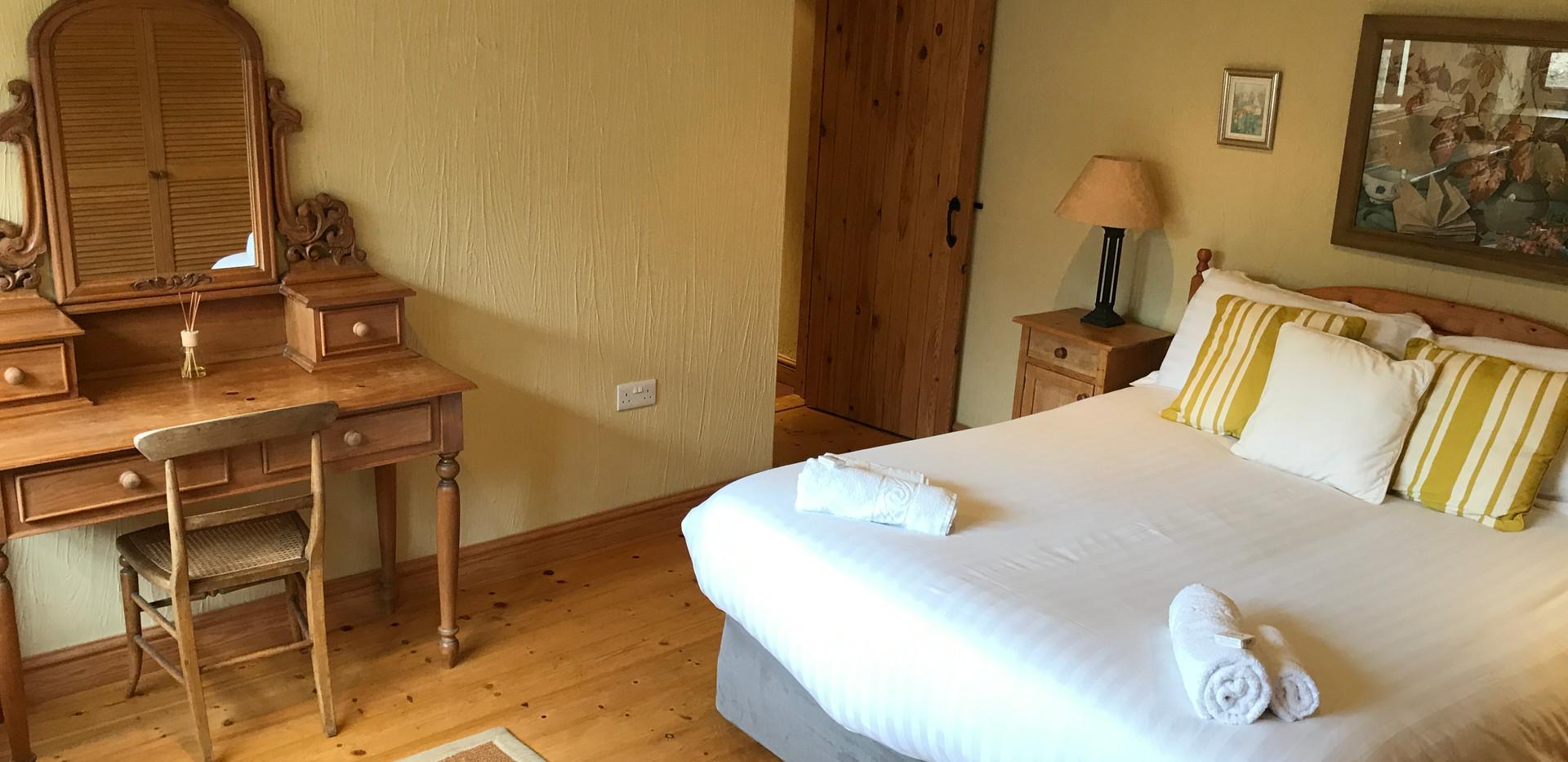 Meadow Cottage King Bedroom