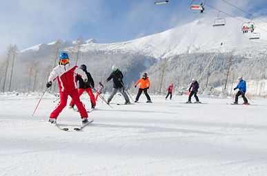 "SAPUL - Duálny kurz inštruktora lyžovania a snowboardingu ""C"" - Jazda v pluhu, Tatranská Lomnica 2018"