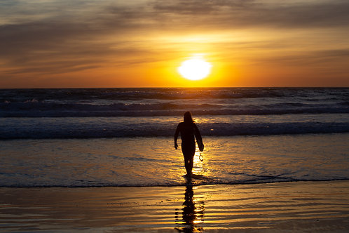 Surfer, Main Beach, Apollo Bay