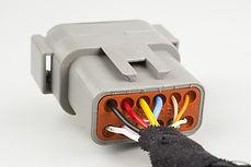 Filerie avec connecteur étanche pour véhicule industriel | COMATE