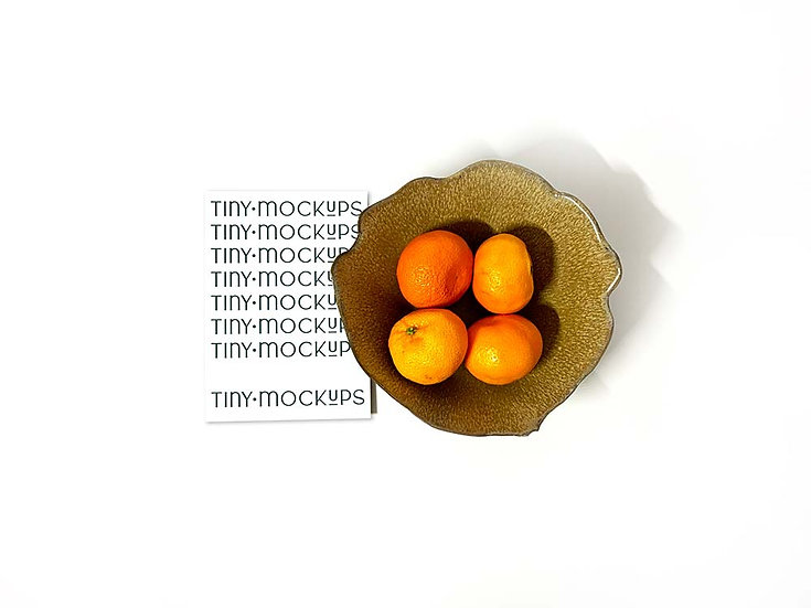 Mockup Flyer and fruit basket