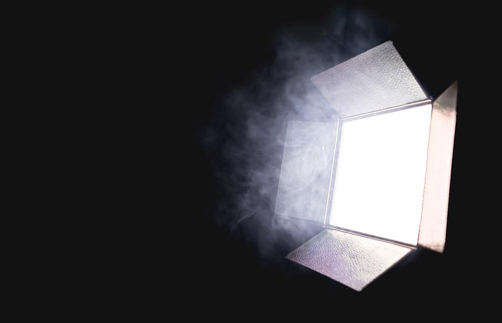映像(動画)撮影における照明の役割