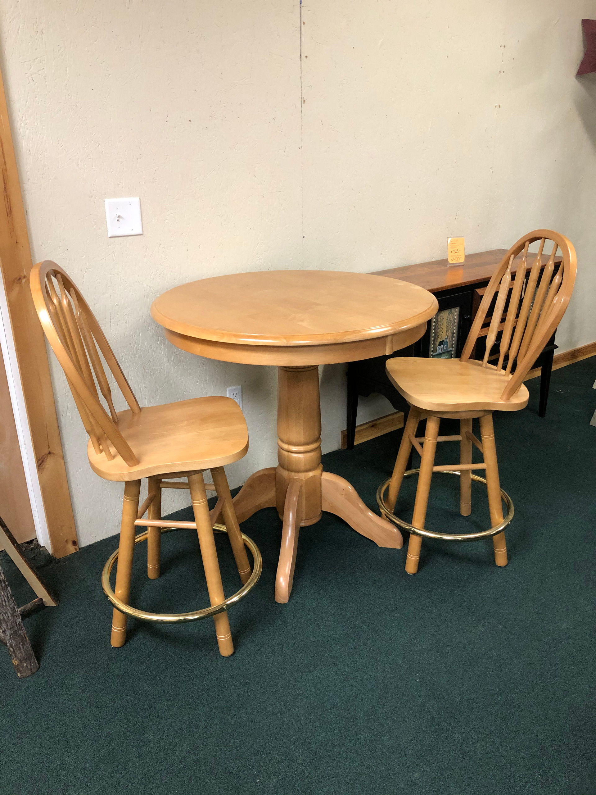 Pub table w/ 2 Chairs