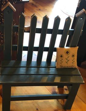 Medium Size Picket Bench