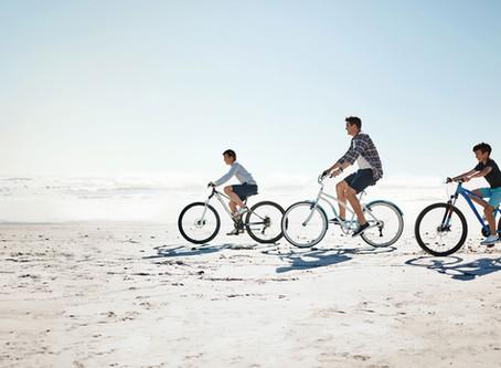 O cicloturismo nas praias de Bombinhas, Santa Catarina.
