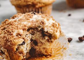 Cinnamon maple crumb cupcakes