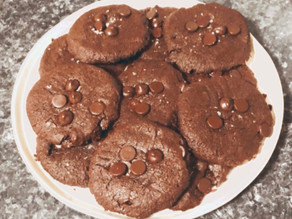 Vegan chocolate chunk tahini cookies
