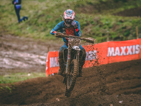 Mixed Fortunes At Round 1