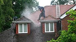 Expert en nettoyage de toiture dans le 91