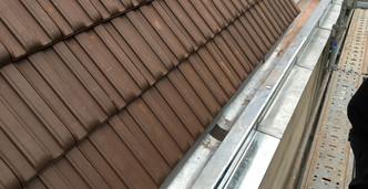 Rénovation toiture et chéneau.jpg