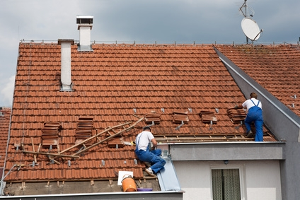 Rénovation d'un toiture en tuile