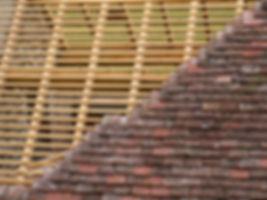 Charpentier-couvreur Seine-et-Marne (77) : Vous cherchez une entreprise de charpente et couverture à Seine-et-Marne - Nos charpentiers-couvreurs ont certainement une solution adaptée à votre budget - Spécialiste de la couverture sur charpente bois en Seine-et-Marne - rénovation de charpente-couverture 77 - création de charpente avec couverture Seine-et-Marne