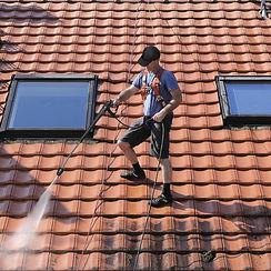 Nettoyage et demoussage de toiture dans l'Essonne (91)