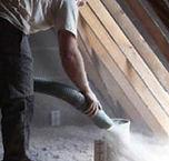 La laine de verre ou la ouate de cellulose sont utilisées par de nombreuses entreprises d'isolation de combles. Sachez que la ouate de cellulose possède des qualités en matière d'isolation thermique, jusqu'à 6 fois supérieur à d'autres isolants classiques