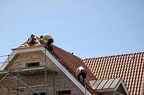 Couvreur Montlhéry 91310 : Entreprise de couverture RGE - Rénovation de toiture (Tuile, ardoise, zinc) - Nettoyage de toiture - Isolation de toiture - Traitement de charpente - Ravalement de façade - Isolation de combles - Prix intéressant - Devis gratuit