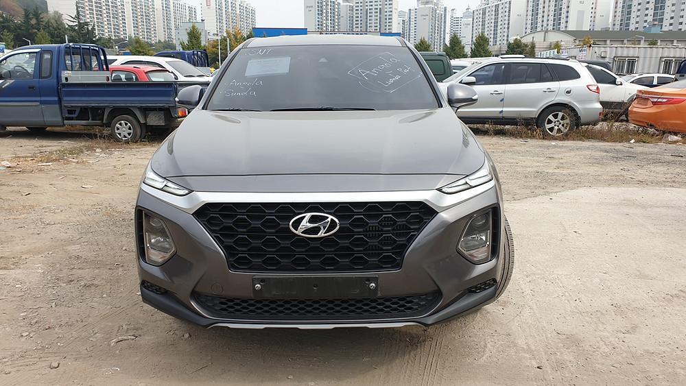 Gasoline. 2019year model. Hyundai Santa_fe