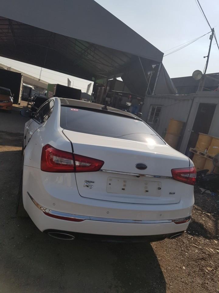 Kia K7, 2015 year model, Korean Used car, exporter, corea-auto.com. SNT trading company sells car to oversea.