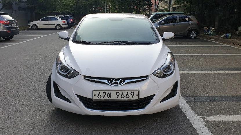 Hyundai Elantra-LUX-LPG